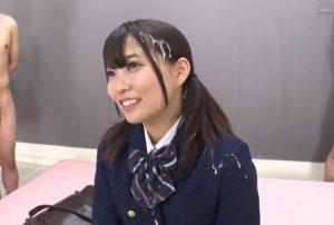可愛い制服JKへザーメンぶっかけインタビュー 賞金目当てに、髪や制服へぶっかけられながら、笑顔で回答します。