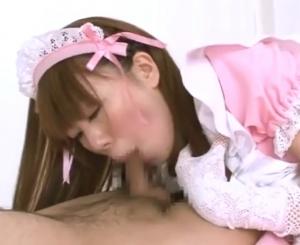 ピンクメイド服の女の子に口マンコにピストン中出し 口内射精からの連続ザーメンごっくん